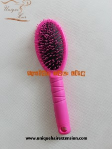 plastic loop brush